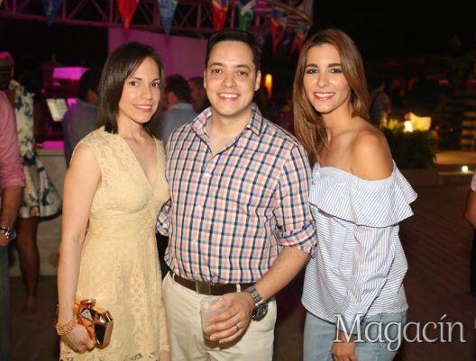 Marlene y Ariel Vega junto Monica Freire. Full Moon Party. Fotografo Jose Rafael Perez Centeno/ ESPECIAL PARA MAGACIN