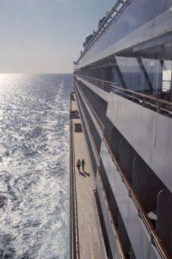 Crystal Cruises Crystal Serenity Crystal Serenity - cruiseboat cruiseboot jogging sport gangway -deck